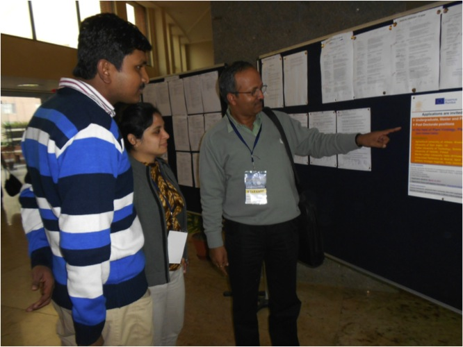 Virocon 2013_Supriya showing poster.jpg